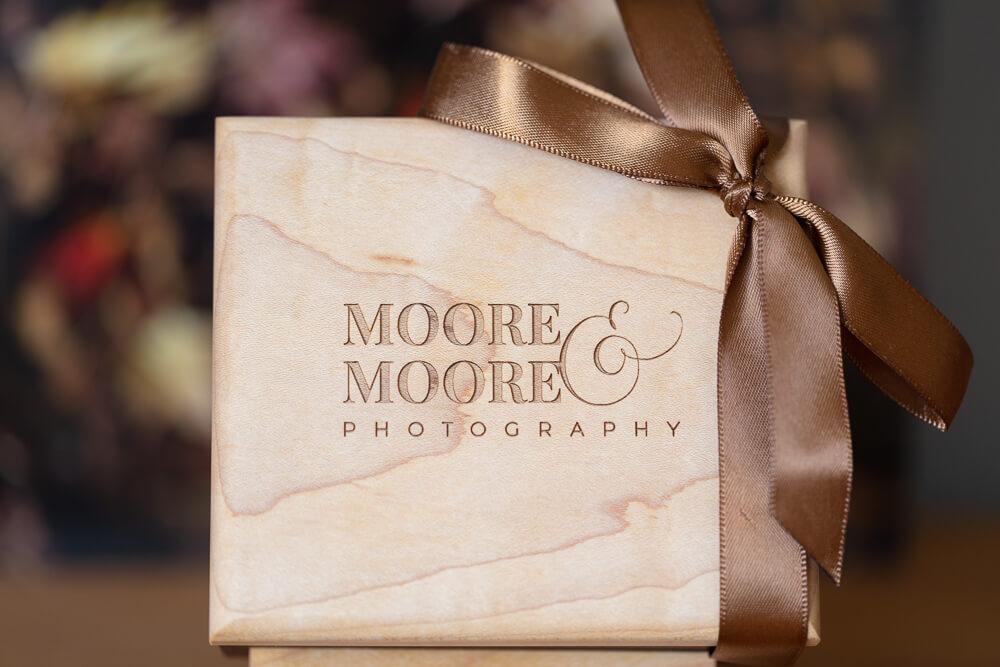 walnut-maple-usb-box-wedding-photos-by-moore-moore-photography-hampshire-9152