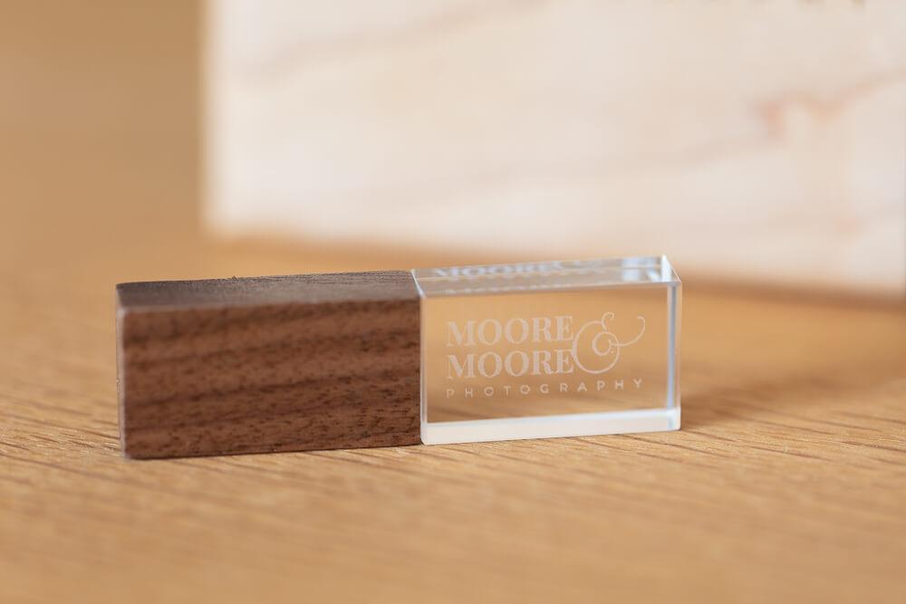 walnut-maple-usb-box-wedding-photos-by-moore-moore-photography-hampshire-9161
