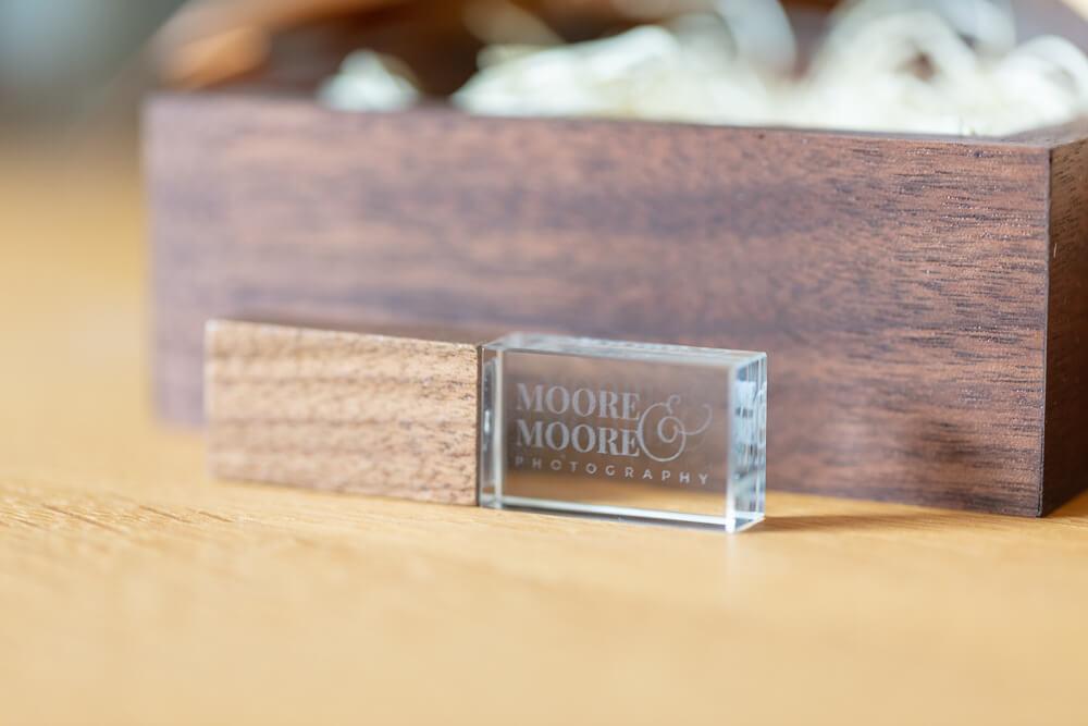 walnut-maple-usb-box-wedding-photos-by-moore-moore-photography-hampshire-9176