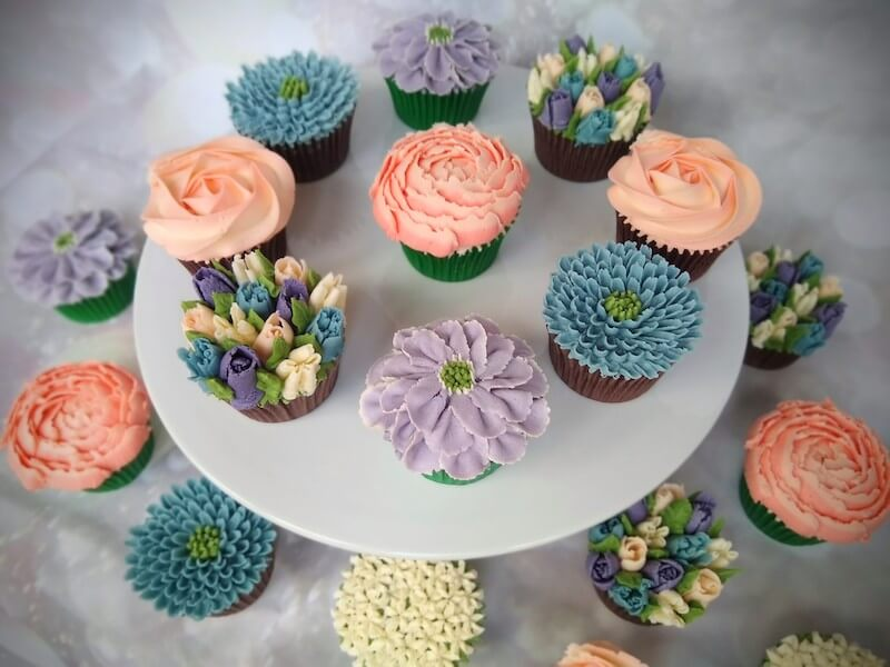 coral-blue-lilac-cupcakes